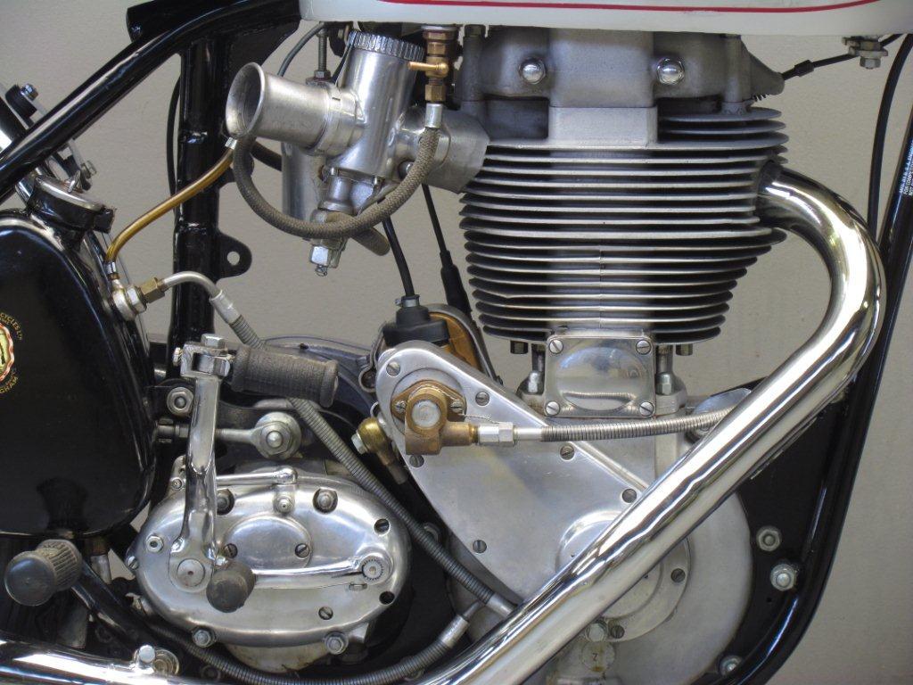 Bsa Daytona D on Engine Exploded View