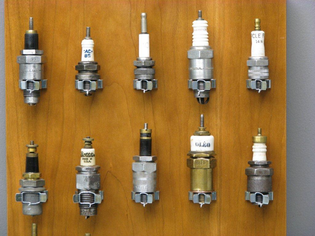 What Is A Spark Plug >> Spark plugs - Yesterdays