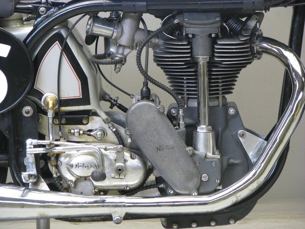 Norton Manx Js on Double Overhead Camshaft Engine